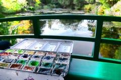 Vattenfärgmålarfärguppsättning i den berömda målaren Garden Arkivfoton
