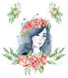 Vattenfärgskönhetflickan med mörkt hår och den blom- röd och indigoblå pionen för krans, blommar Royaltyfri Bild