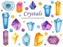 Vattenfärguppsättning av kulöra kristaller, ädelstenar och pärlor stock illustrationer