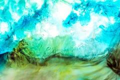 Vattenf?rg- och akrylabstrakt begrepp f?rgrik bakgrund Blandning, f?rgst?nk och teckningar av f?rger: bl?tt turkos, gr?splan, gul fotografering för bildbyråer