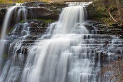 Vattenfall över rocks Fotografering för Bildbyråer