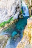 Vattenfall av algar (Fuente de Algar) Arkivfoto