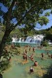 Vattenfall av den Krka medborgaren Parc Royaltyfri Fotografi
