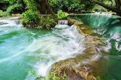 Vattenfall Chet-Sao-Noi i den Khao Yai nationalparken, Royaltyfri Bild