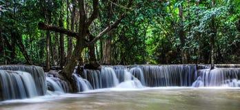 Vattenfall den mjölkaktiga Maen Arkivfoton