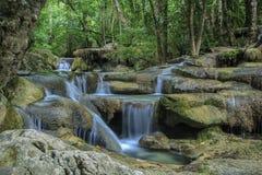 Vattenfall Eravan, i Kanchanabury, Thailand Arkivbilder