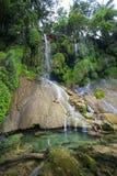 Vattenfall för El som Nicho lokaliseras i toppiga bergskedjan del Escambray berg inte långt från Cienfuegos arkivfoto