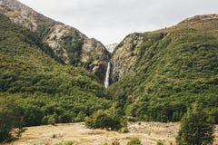 Vattenfall för jäkel` s Punchbowl i nationalparken för passerande för Arthur ` s, Royaltyfri Bild