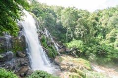 vattenfall för långsam hastighet för slutare Royaltyfri Fotografi