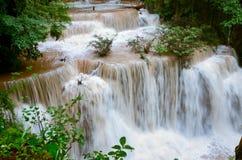 Vattenfall för Mae kaminut Arkivfoton