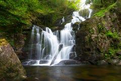 vattenfall för killarney nationalparktorc Royaltyfri Fotografi