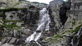 Vattenfall höga Tatras i Slovakien Europa stock video