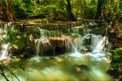Vattenfall Huay Mae Kamin Arkivfoton