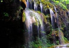 Vattenfall i berg Royaltyfri Foto