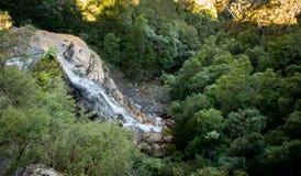 Vattenfall i blå bergnationalpark Royaltyfria Foton