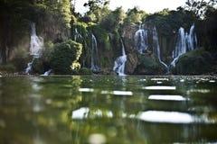 Vattenfall i Bosna-Hercegovina, lugna och härligt royaltyfri foto