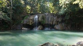Vattenfall i den Erawan nationalparken Royaltyfri Foto