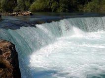 Vattenfall i den Manavgat floden Arkivbilder