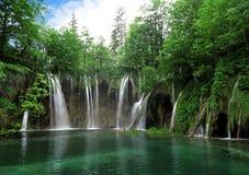 Vattenfall i den Plitvice nationalparken Fotografering för Bildbyråer