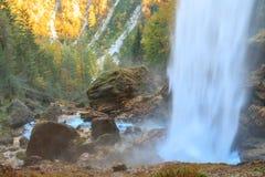 Vattenfall i den Triglav dalen Royaltyfri Fotografi