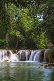 Vattenfall i den tropiska skogen, Thailand Royaltyfri Foto