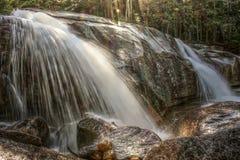 Vattenfall i den vita bergnationalparken, New Hampshire, USA Royaltyfri Bild