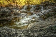 Vattenfall i den vita bergnationalparken, New Hampshire, USA Arkivfoto