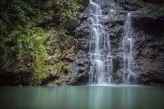 Vattenfall i djungeln Arkivbilder