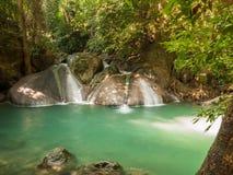 Vattenfall i en skog, Thailand Royaltyfria Foton