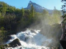 Vattenfall i Geiranger, Norge Arkivfoto