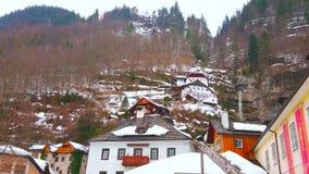 Vattenfall i Halstatt, Salzkammergut, Österrike lager videofilmer