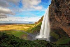 Vattenfall i Island - Seljalandsfoss Royaltyfri Fotografi
