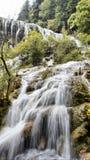 Vattenfall i Jiuzhaigou, Sichuan, Kina arkivbild