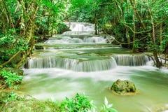 Vattenfall i Kanchanaburi Arkivbilder