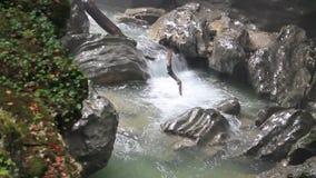 Vattenfall i kanjonen lager videofilmer