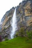 Vattenfall i Lauterbrunnen - Schweiz Royaltyfri Foto