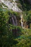 Vattenfall i nationalparken Plitvice i Kroatien Fotografering för Bildbyråer