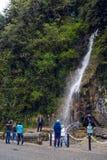 Vattenfall i republiken av Abchazien norr Kaukasus Arkivfoton