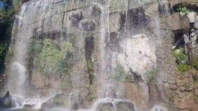 Vattenfall i slottkullen i Nice lager videofilmer