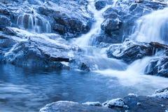 Vattenfall i vintern Royaltyfri Foto