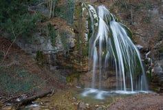 Vattenfall i vintersäsong Royaltyfri Bild