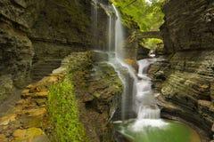 Vattenfall i Watkins Glen Gorge i den New York staten, USA Fotografering för Bildbyråer
