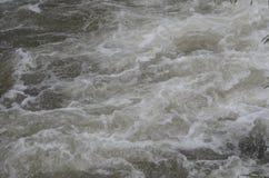 Vattenfall och ånga Arkivbilder