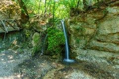 Vattenfall på Butterflyet Valley av Rhodes royaltyfri bild