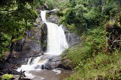 Vattenfall på den Nyika platån Arkivbilder