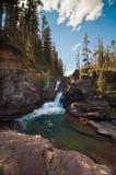 Vattenfall på glaciärnationalparken, Montana Arkivbilder