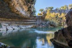 Vattenfall på Hamilton Pool Royaltyfri Bild