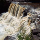 Vattenfall på krusbärnedgångar Royaltyfri Fotografi