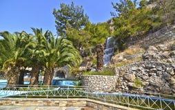 Vattenfall på Loutraki Grekland Royaltyfria Foton