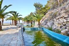 Vattenfall på Loutraki Grekland Arkivbild